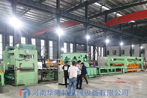 客户参观铝板中厚板剪qiesheng产线
